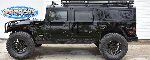 Hummer H1 face orice SUV din prezent sa para plictisitor. Cat mai costa unul in ziua de azi