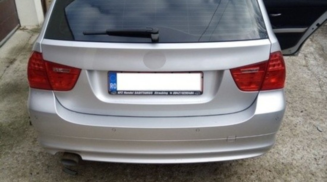 Husa auto dedicate BMW E91 318. FRACTIONATE - ROMB. Calitate Premium AutoCars