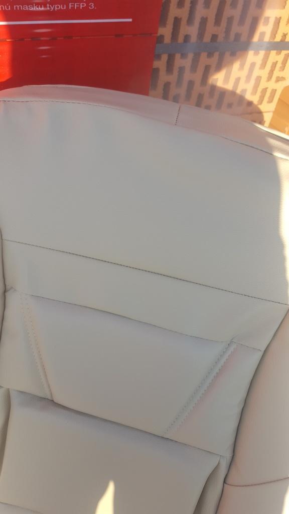 Husa auto imitatie de piele de culoare crem
