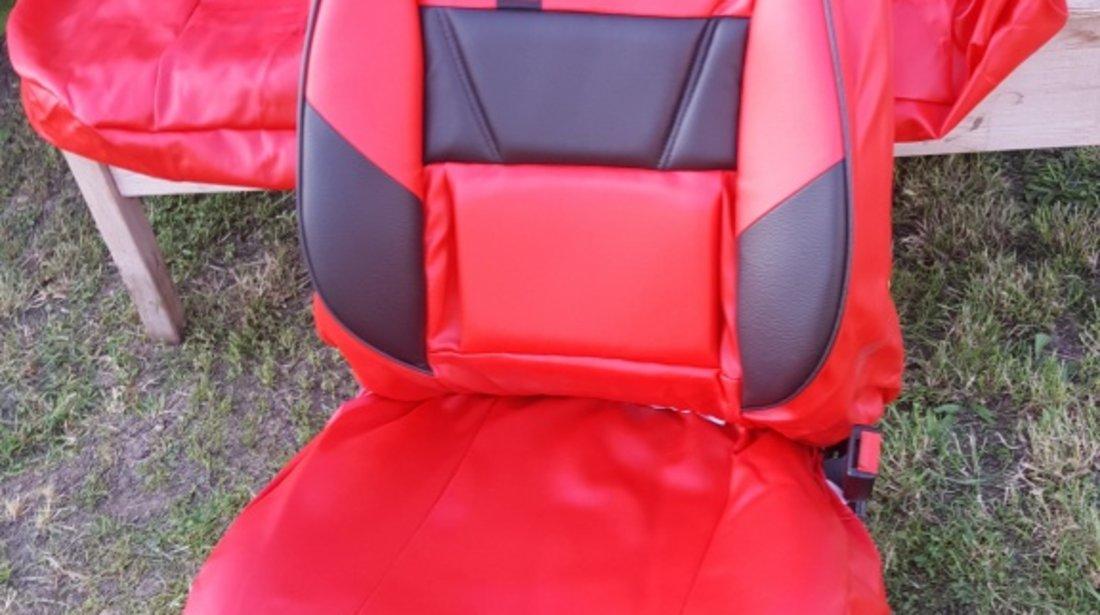 Husa auto imitatie de piele de culoare negru cu rosu