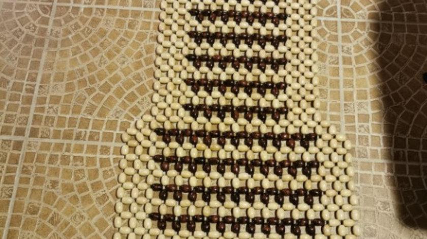 Husa scaun cu bile de lemn ovala sah