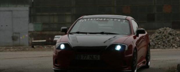 Hyundai Coupe - Nils si un Coupe de vis