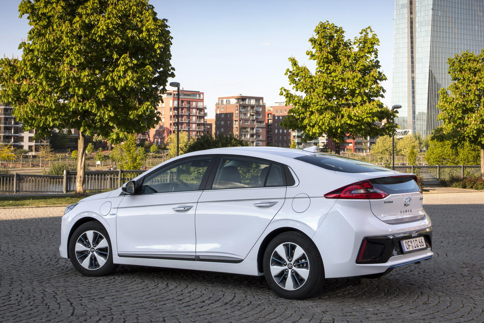 Hyundai Ioniq Plug-In Hybrid - Hyundai Ioniq Plug-In Hybrid
