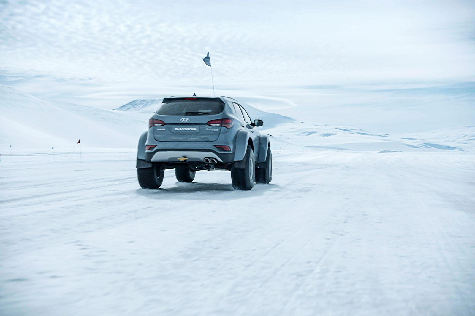 Hyundai Santa Fe in expeditia din Antarctica - Hyundai Santa Fe in expeditia din Antarctica