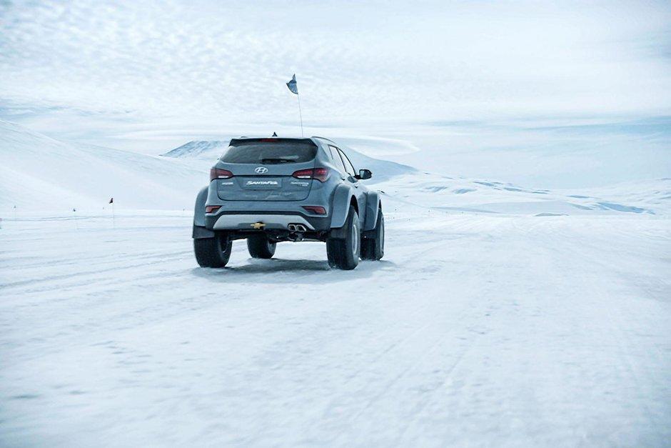 Hyundai Santa Fe in expeditia din Antarctica