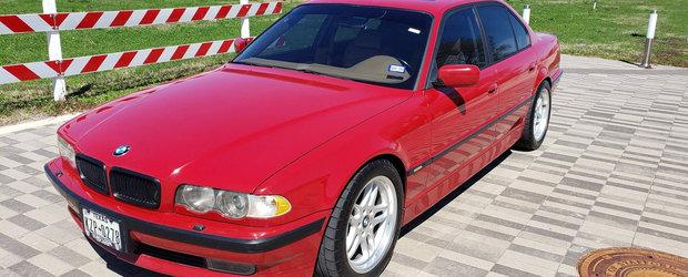 I-a pus motor de M5 si l-a scos la vanzare, pe internet. Pretul cu care se vinde acum acest BMW 749i