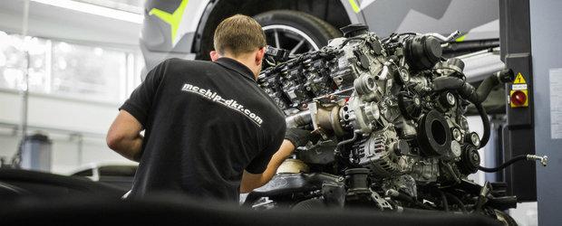 I-au dat motorul jos ca sa ii creasca puterea. Acum are 900 CP si 1.100 Nm