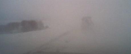 Iata ce ti se poate intampla daca circuli cu viteza pe ceata si zapada