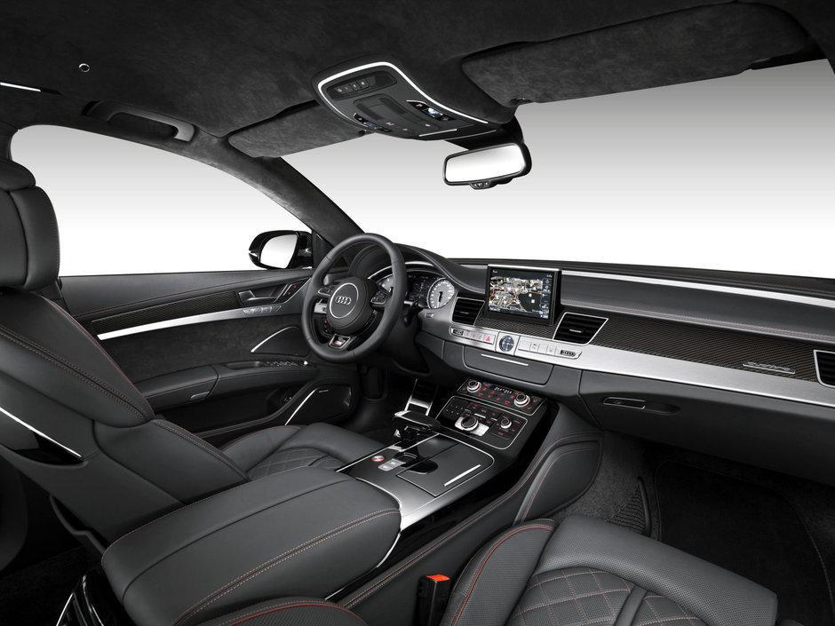 Imagine teaser Audi S8 Plus RS900
