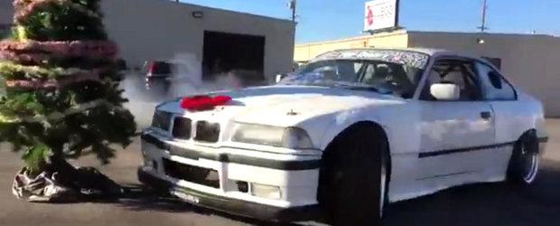 Impodobeste, mama, bradul! Varianta BMW-ului de drift