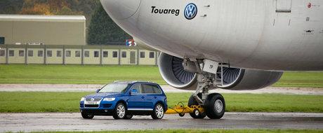 In 2006 a tras un avion dupa el. Volkswagen ne spune povestea modelului Touareg inaintea lansarii noii generatii