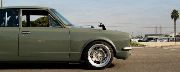 In loc s-o dea la fier vechi, a preferat s-o modifice. Masina care concureaza cu M3 are acum caroserie din '69