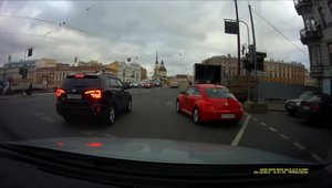 In Rusia, orice sofer de VW Beetle are in portbagaj o crosa de golf. Dar nu ca sa nimereasca gaura...