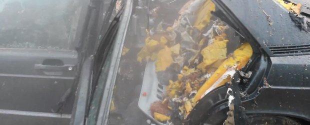In urma unei curatari cu aburi, masina a ajuns dauna totala