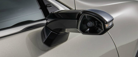 Inca o palma data nemtilor. Lexus lanseaza prima masina cu camere pe post de oglinzi si bate Audi