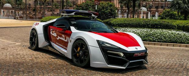 Incearca sa fugi de asta. Politia din Abu Dhabi a primit un Lycan Hypersport, super masina care atinge 400 km/h