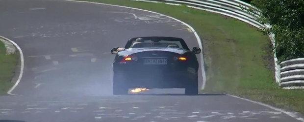 Incident la Nurburgring: Un Jaguar XKR Cabrio se aprinde din senin