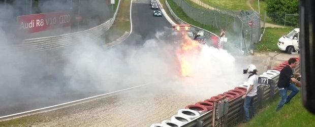 Incident nefericit la Nurburgring: Un Nissan GT-R V-Spec sfarseste in flacari