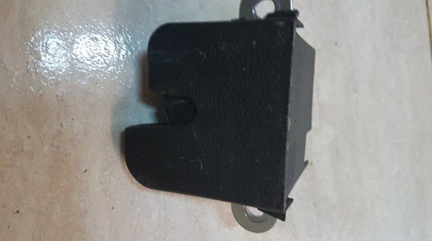 Incuetoare portbagaj 1k6827505e vw passat 3c b7 variant 2011-2015