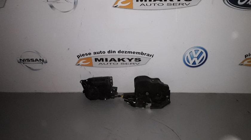 Incuietoare dr spate cu soft close BMW X5 E70