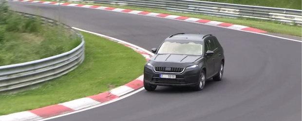 Indeajuns cu fotografiile spion. Uite primul clip video cu noua Skoda Kodiaq in actiune la Nurburgring