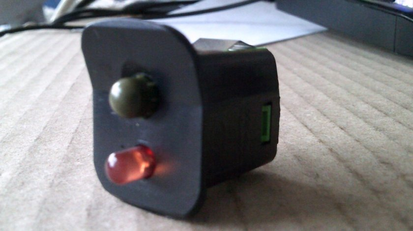 Indicator senzor alarma bord Volvo XC60, cod 8691912