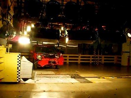 Inedit: Crash-Test cu Dacia Sandero diesel Euro 5 la Mioveni