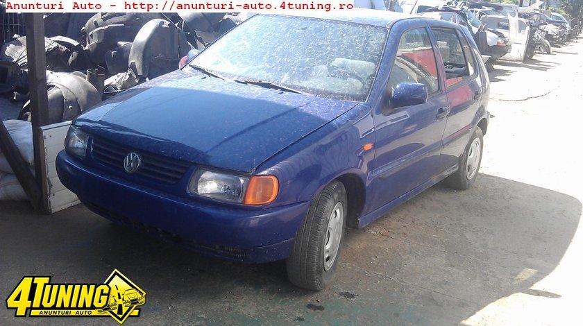 Injectoare Volkswagen Polo an 1996 1 0 i 1043 cmc 33 kw 45 cp tip motor AEV dezmembrari Volkswagen Polo an 1996