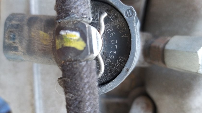 Injector 1.6 crdi euro 5 d4fb dupa 2011 hyundai ix20 i30 elantra accent 4 kia cee'd cerato 0445110320