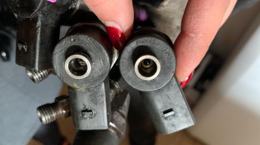 Injector Injectoare Mercedes C200cdi C220cdi E200cdi E220cdi E270cdi A 611 070 09 87 Injector
