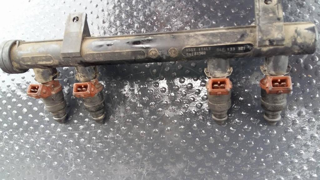 Injector skoda fabia 1.4 benz 04790603l azf