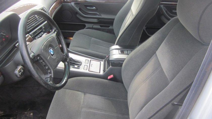 Interior BMW E38 728i 1995