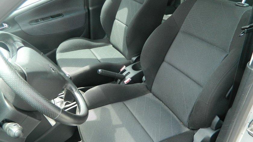 Interior material textil Peugeot 207 Hatchback model 2006