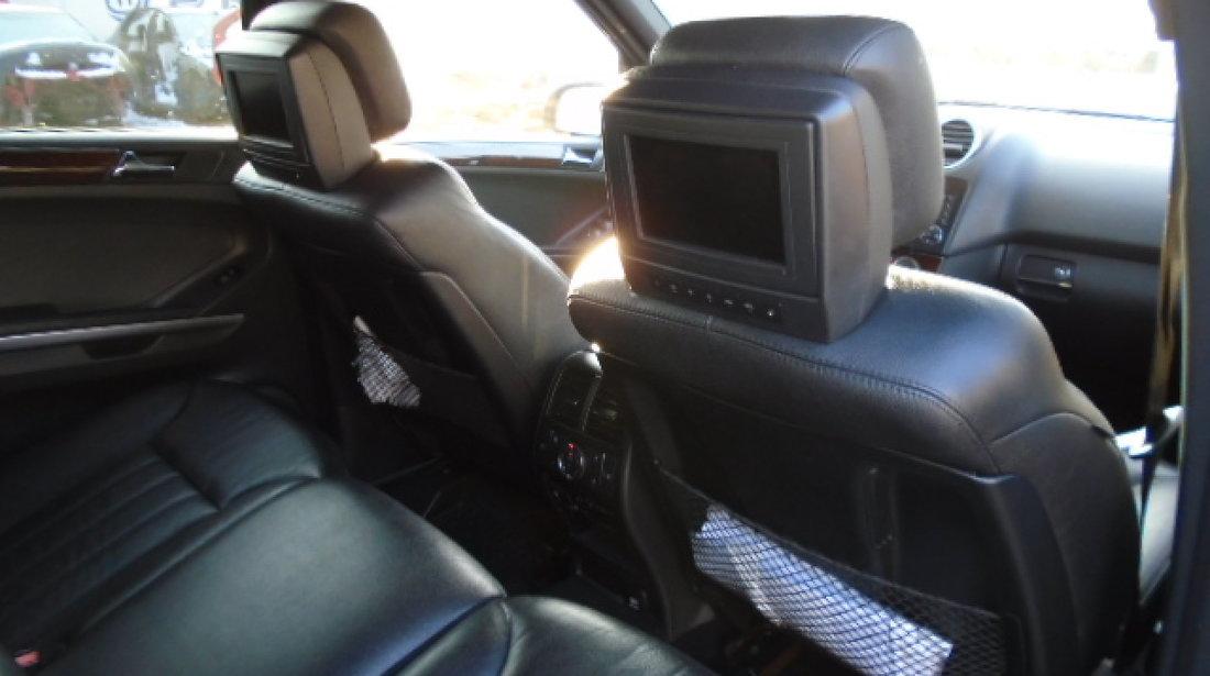 Interior Piele Negru AMG cu ecrane in tetiere Mercedes Ml W164