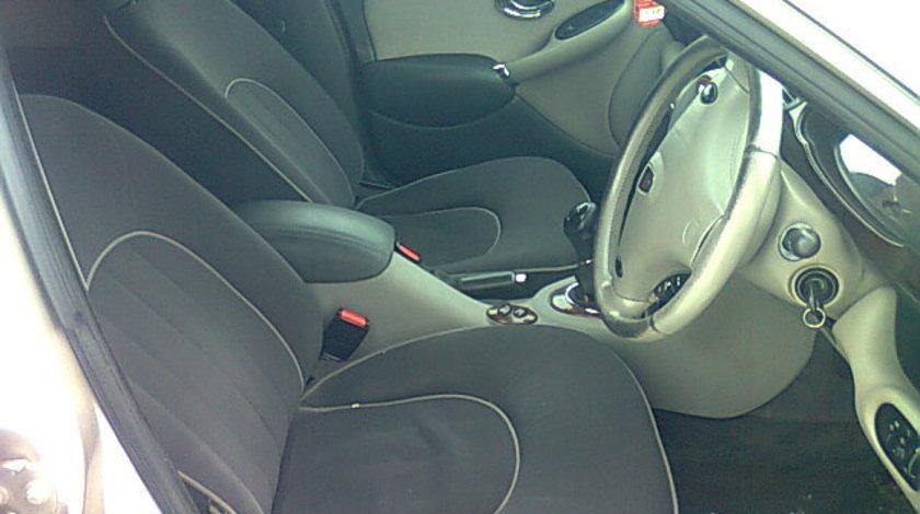 Interior Rover 75