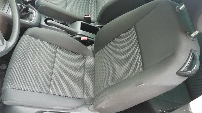 interior VW Golf 6 an 2009  Detalii la telefon !