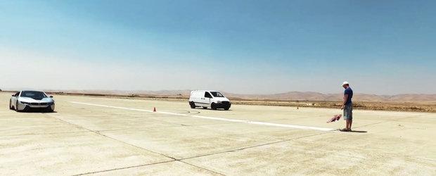 Intra AICI sa vezi cum o duba Mercedes sterge pe jos cu un BMW de 130.000 euro