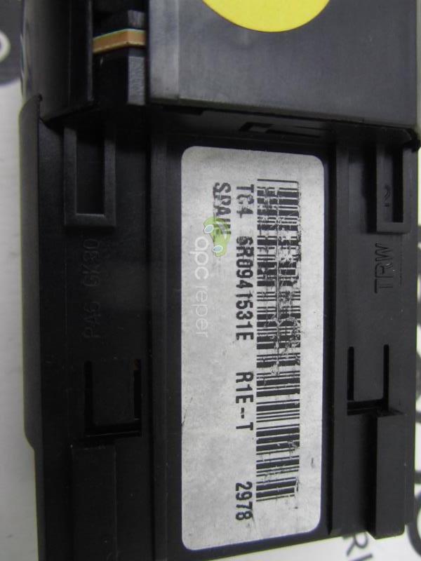 Intrupator Faruri VW Polo 6R cod 6R0941531E