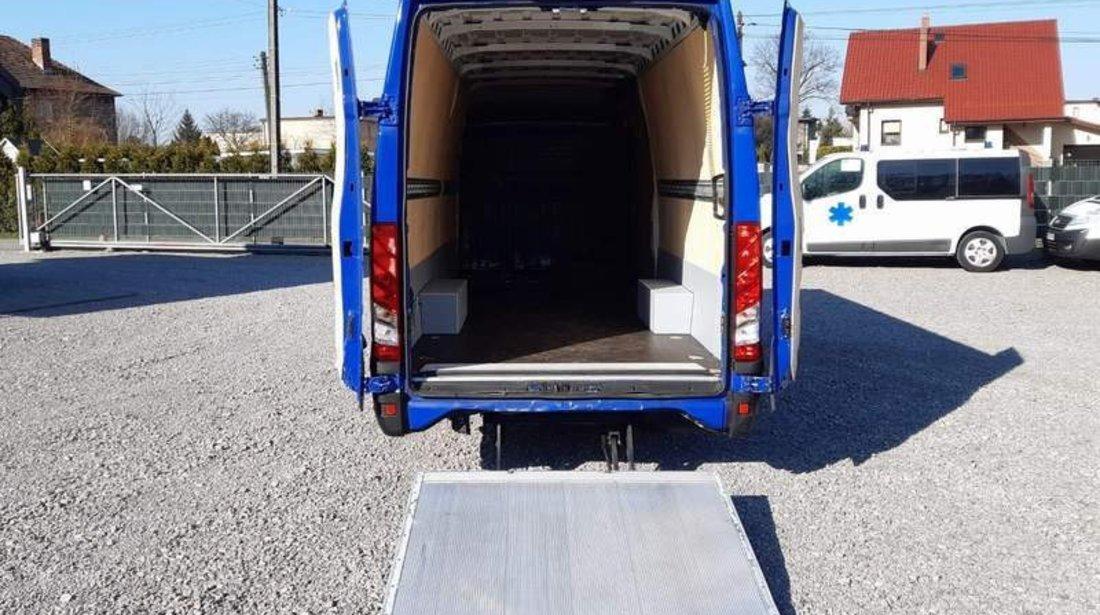 Iveco Daily MAXI automat, cu lift, lungime podea 4,70m