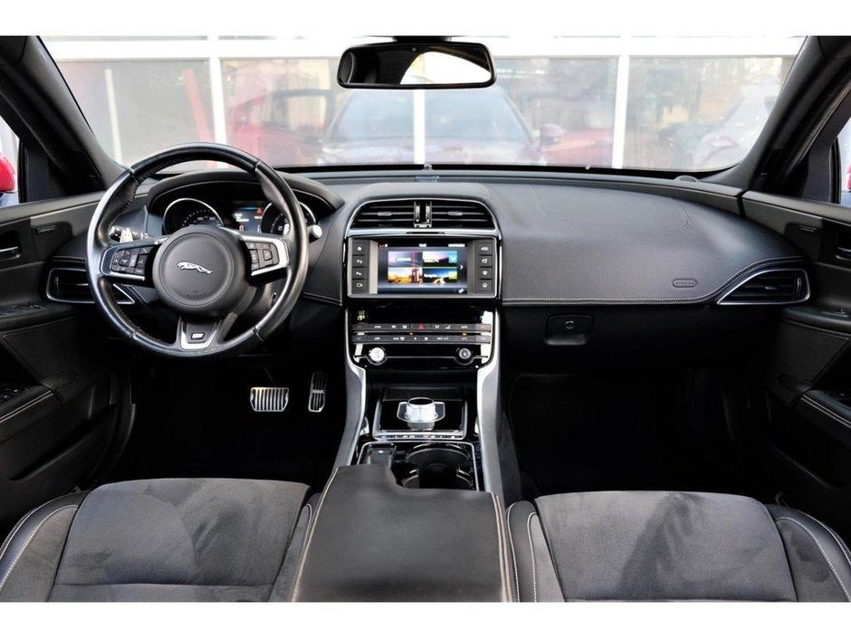 Jaguar XE S de vanzare