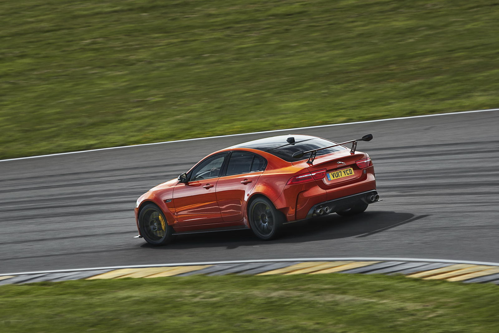 jaguar XE SV Project 8 - jaguar XE SV Project 8