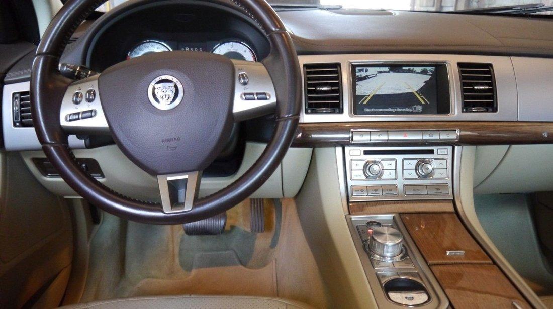 Jaguar XF 2.7 V6 Bi-turbo 2009