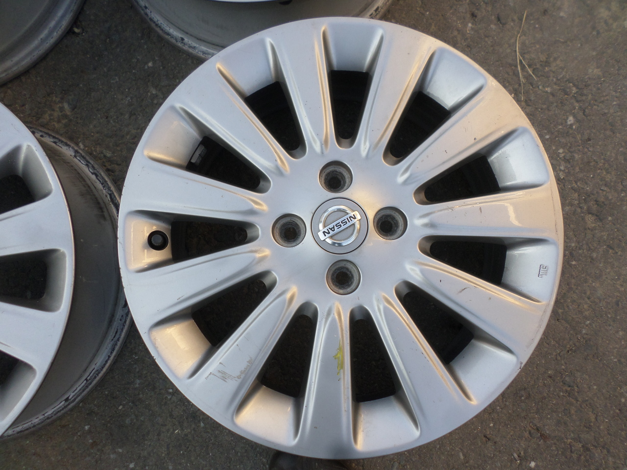 Jante Nissan Micra 16