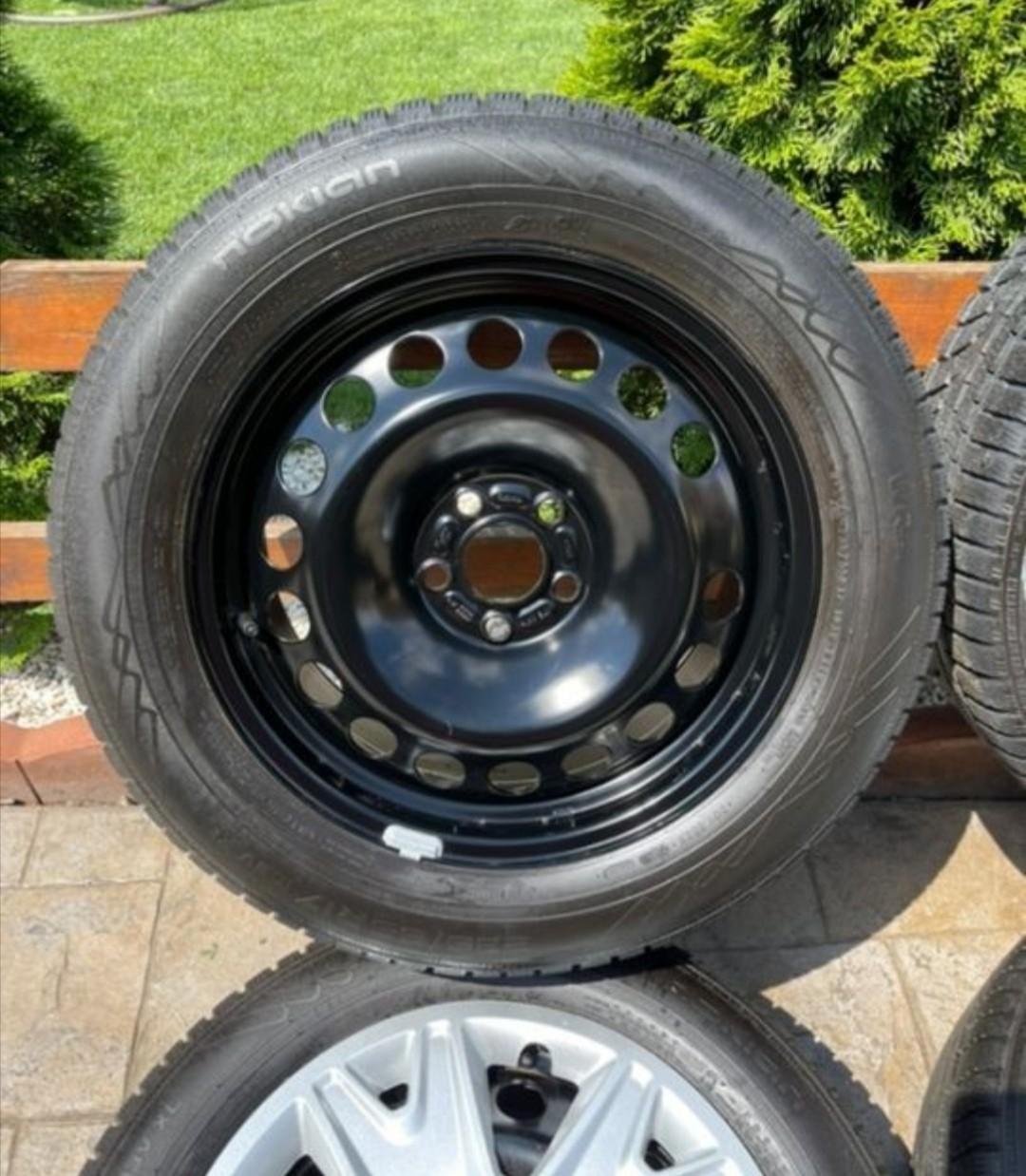 "Jante oțel Ford Kuga 17"", anvelope iarna Nokian ca noi, senzori presiune"