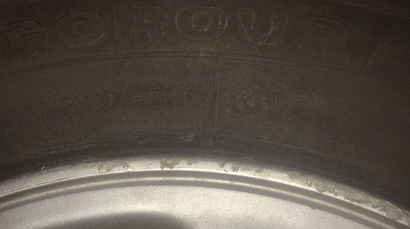 "Jante originale Toyota 5x114.3,ET45,16"",cu anvelopele care se vad"