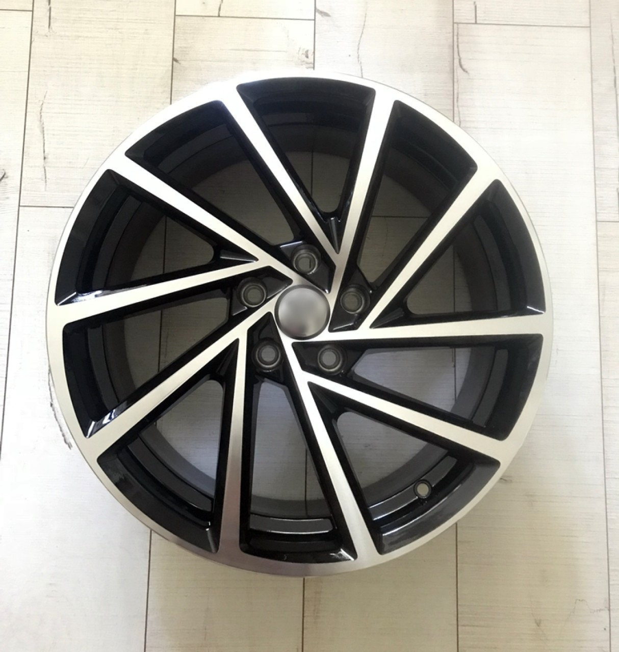 Jante VW Golf R 5x112 R17 R18 R19 inchi
