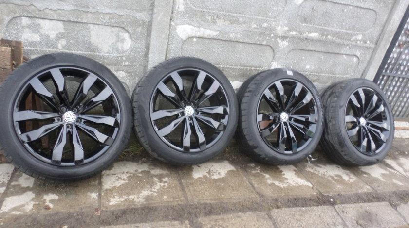 Jante  VW Touareg 3Q prindere 5 X 112 VARA Pirelli P Zero 285 40 R21