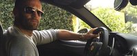 Jason Statham si-a scos la vanzare vechiul Ferrari cu motor V12. Masina italiana a fost realizata la comanda