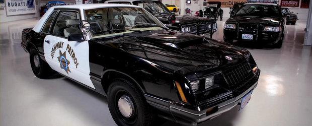 Jay Leno ne face cunostinta cu masinile de politie din colectia sa