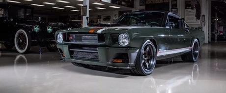 Jay Leno ne spune povestea unui Mustang din '65 cu caroserie din carbon